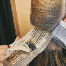 hårfarvning af frisør hos leaphair på Frederiksberg